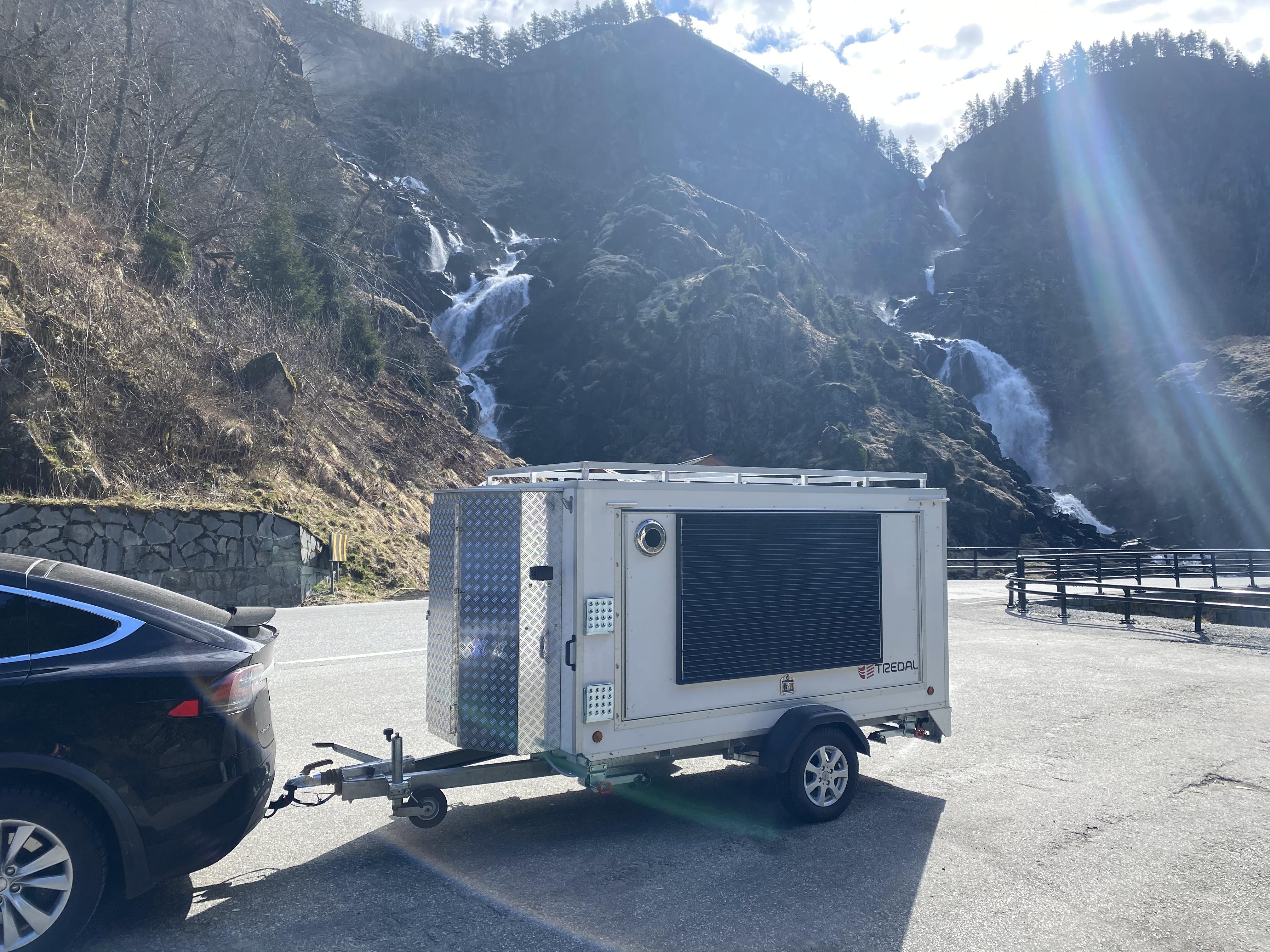 Camping T-13-TLS Hvit 1,5m m/ takgrind og telt